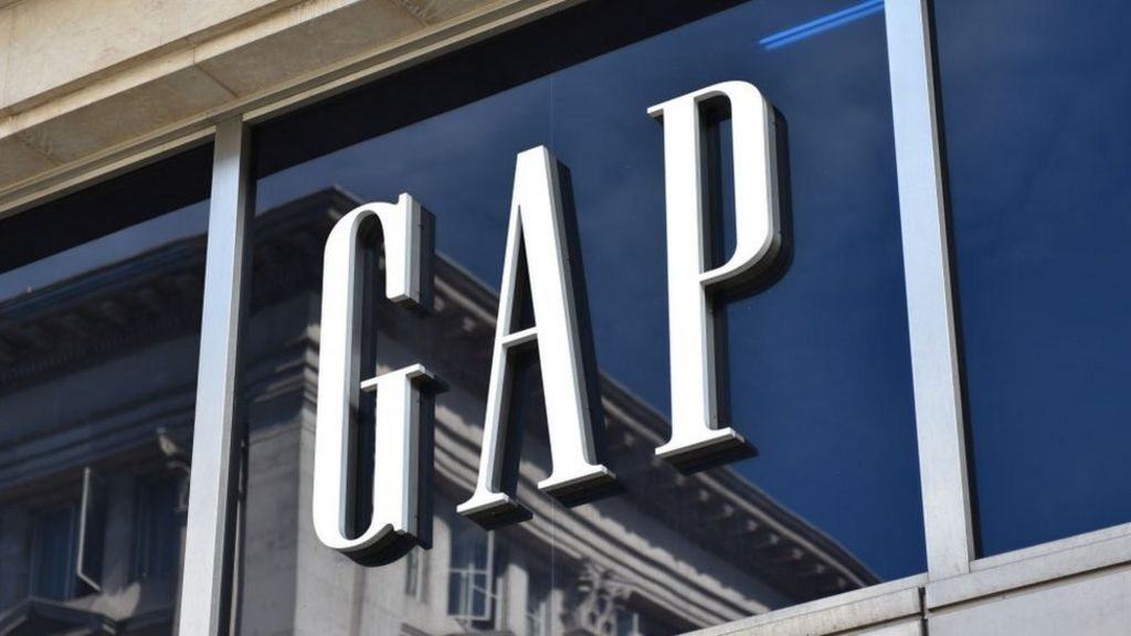 Gap to close all UK stores